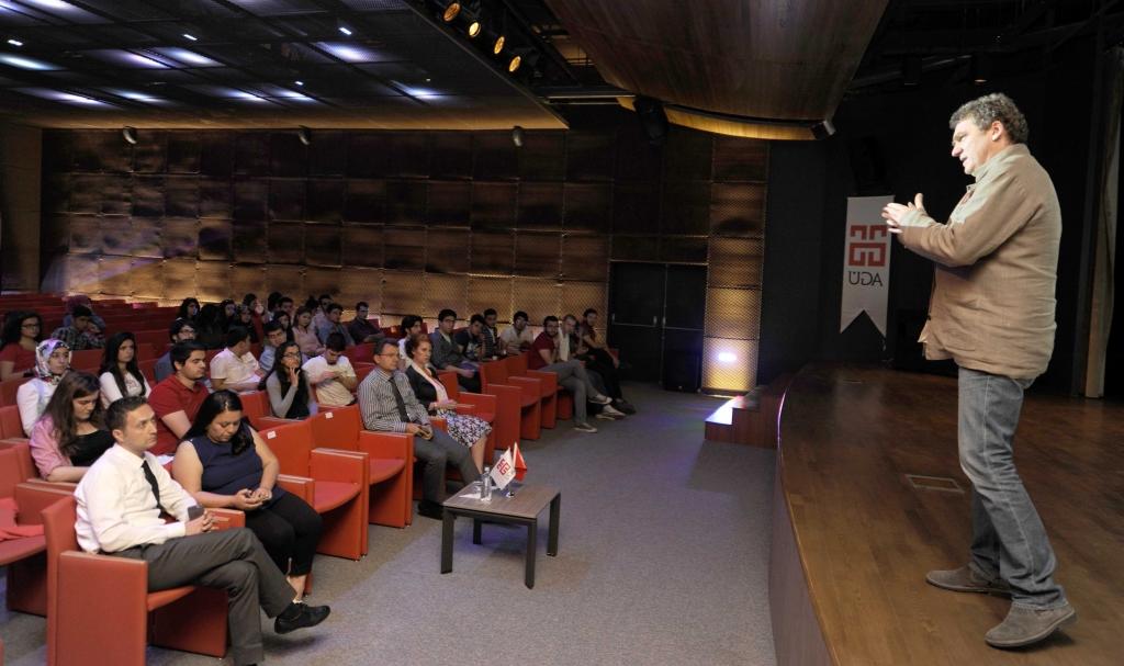 AGÜ'de ''Müzik Kimin İçin'' Konulu Konferans...