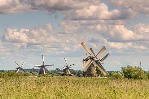 """Gençlik Fabrikası 2 genci Hollanda'ya """"Young Migrant Voices"""" eğitim kursuna gönderiyor"""