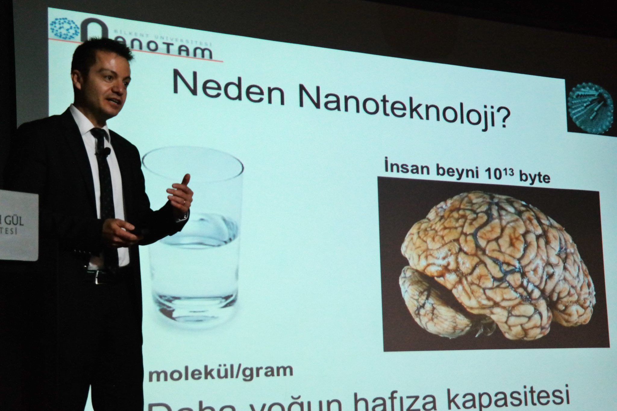 AGÜ Talks etkinliğinin bu haftaki konuğu Prof. Dr. Ekmel Özbay oldu.