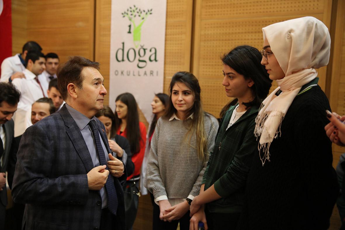 Rektör Sabuncuoğlu Üniversite Adayı Öğrencilerle Buluştu