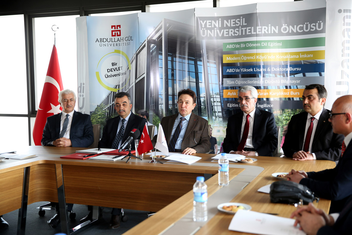 AGÜ ile Liseler Arasında İşbirliği Anlaşması...