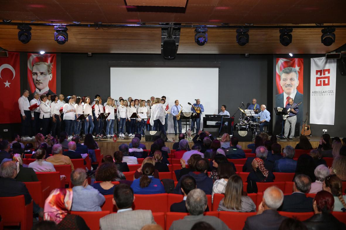 AGÜ Müzik Topluluğu'ndan Pop Konseri...