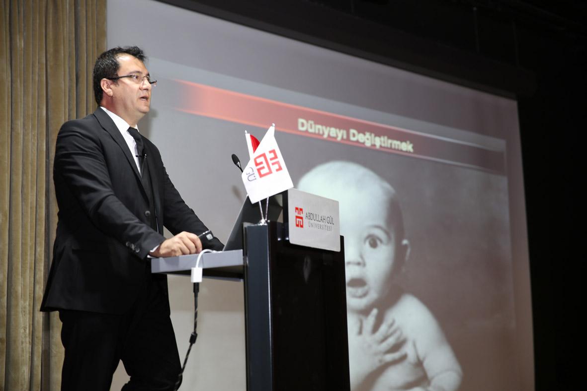 """AGÜ'de """"Geleceği Bilim İle İnşaa Etmek"""" Konulu Konferans..."""
