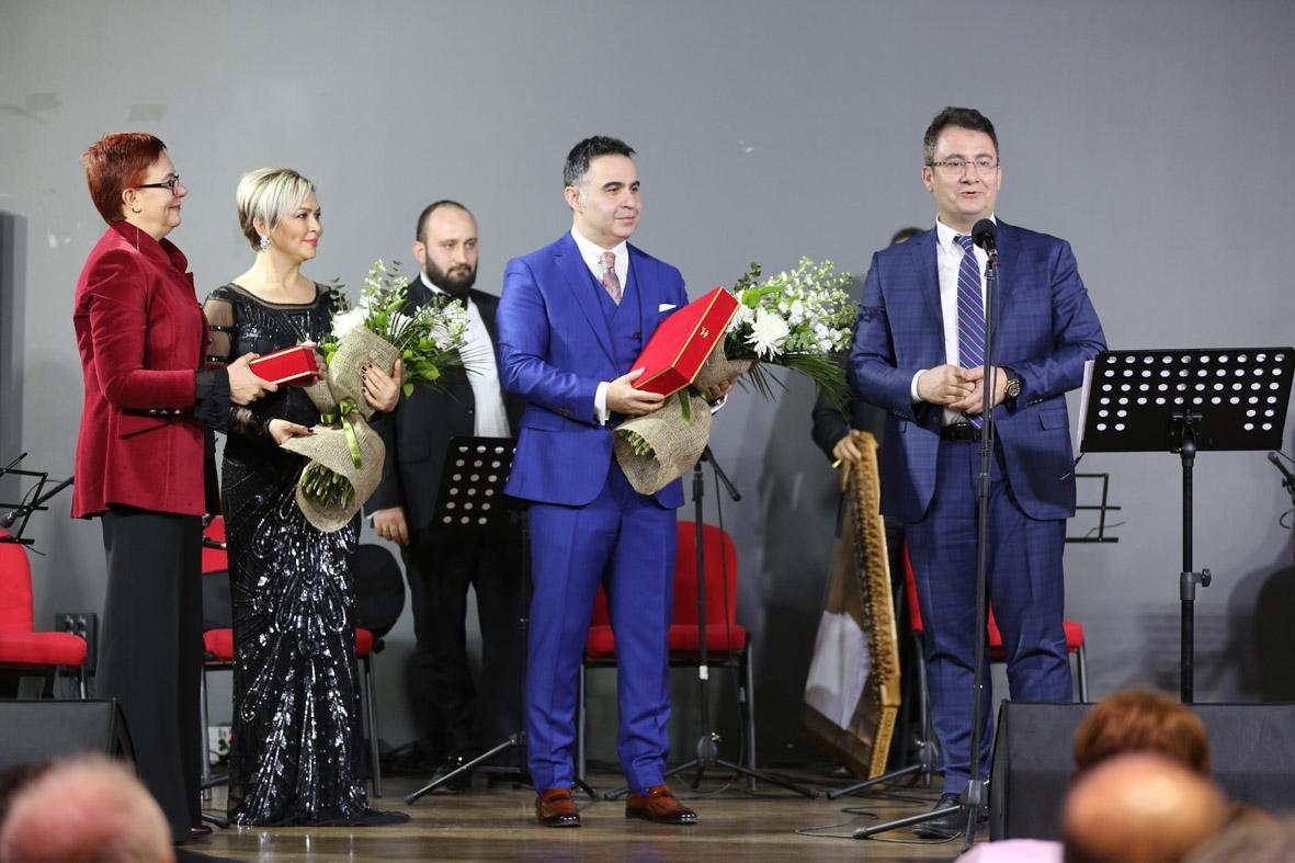 TRT Sanatçılarından AGÜ'de Konser...