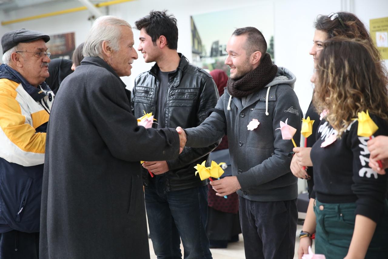 AGÜ Öğrencilerinden Huzurevi Sakinlerine Konser...