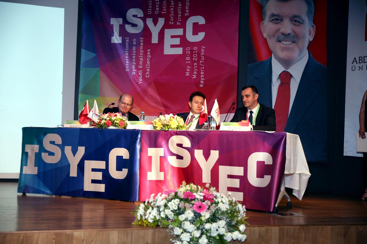 AGÜ'de ISYEC 2016 Sempozyumu...
