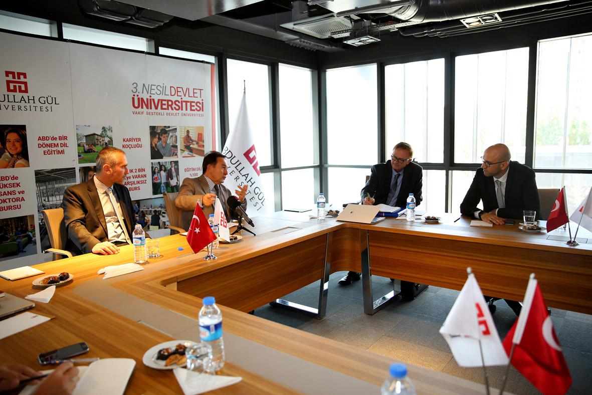 Slovenya Büyükelçisi'nden AGÜ'ye Ziyaret...