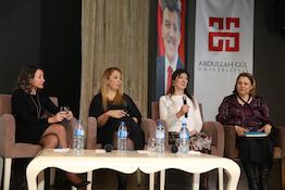 """AGÜ'de """"İş Hayatına İlham Veren Güçlü Kadınlar"""" Konulu Panel..."""