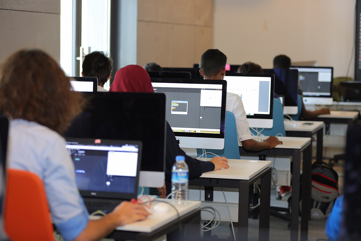 AGÜ Bilgisayar Mühendisliği Öğrencileri Mobil Uygulama Geliştiriyor