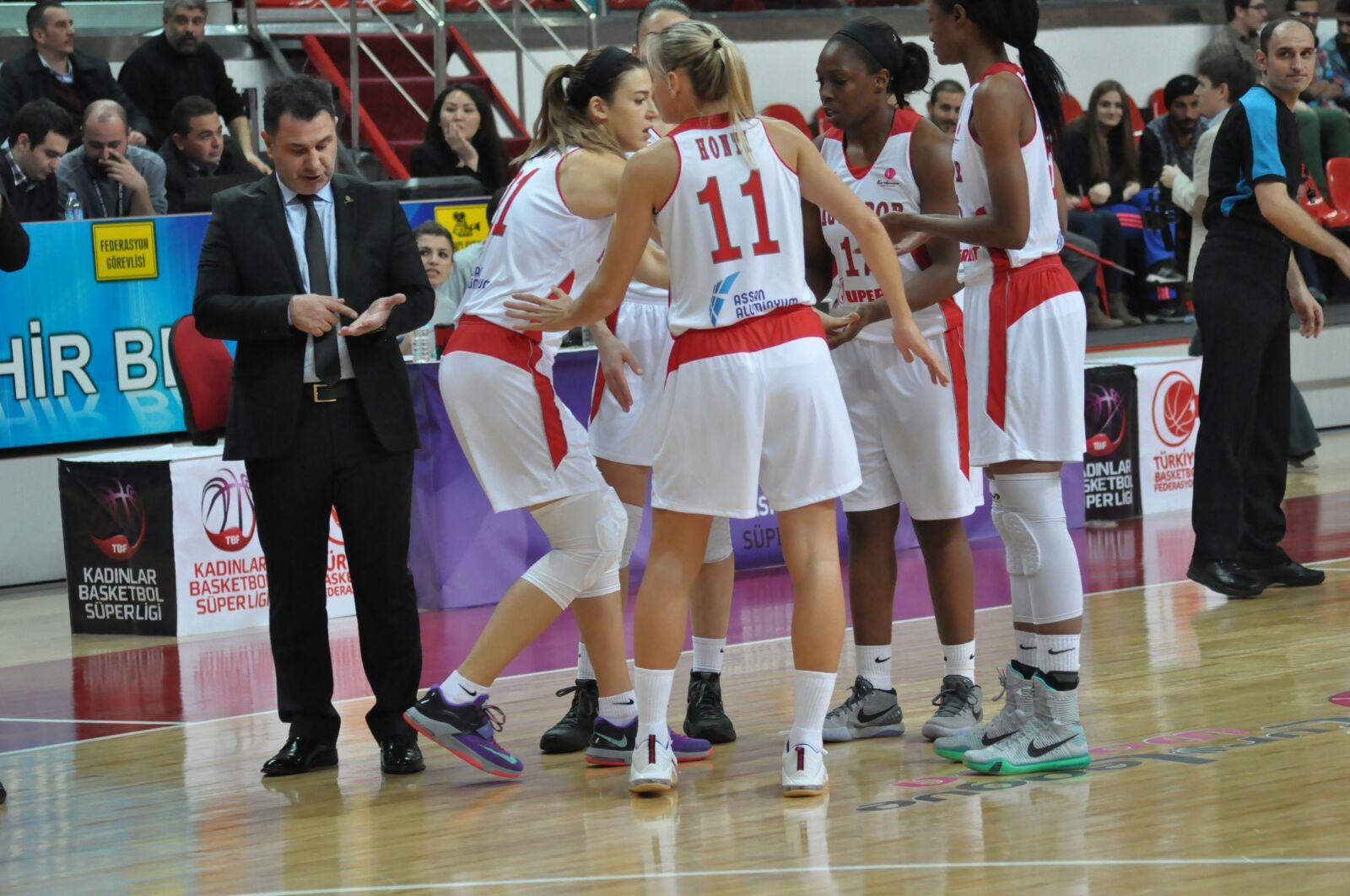 AGÜ Spor, Şampiyonu Yine Yendi...