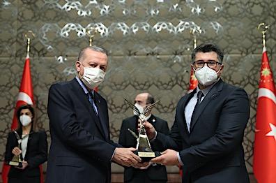 AGÜ Öğretim Üyesi Prof. Dr. Hakan Usta'ya 2020 Yılı TÜBİTAK Ödülü
