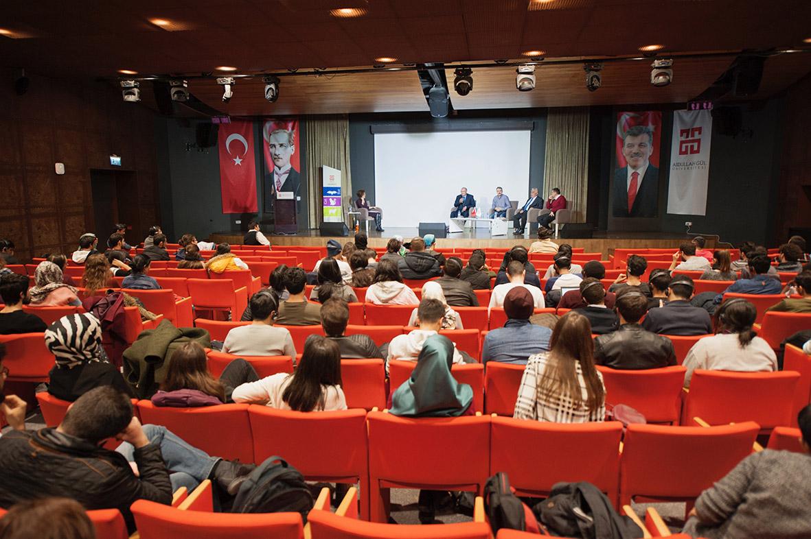 """AGÜ'de, """"Engellilerin Günlük Yaşamlarında Karşılaştıkları Zorluklar"""" Konulu Panel..."""