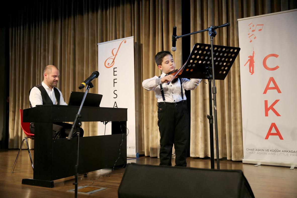 Miniklerden AGÜ'de Klasik Müzik Konseri...