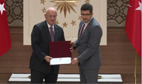 """TÜBA'dan AGÜ Öğretim Üyesine """"Genç Bilim İnsanı"""" Ödülü..."""