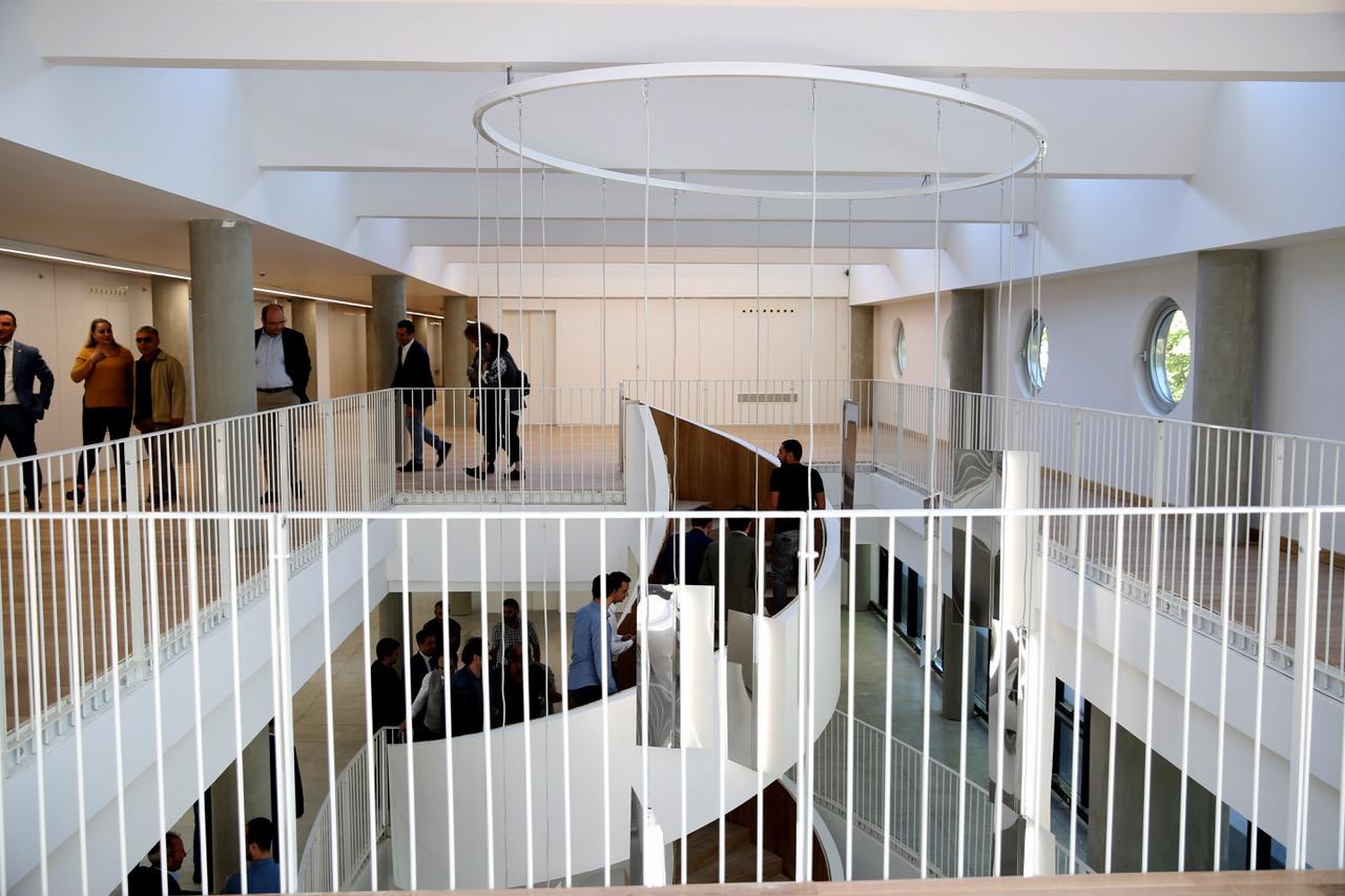 AGÜ'ye Yeni Laboratuvar Binası...