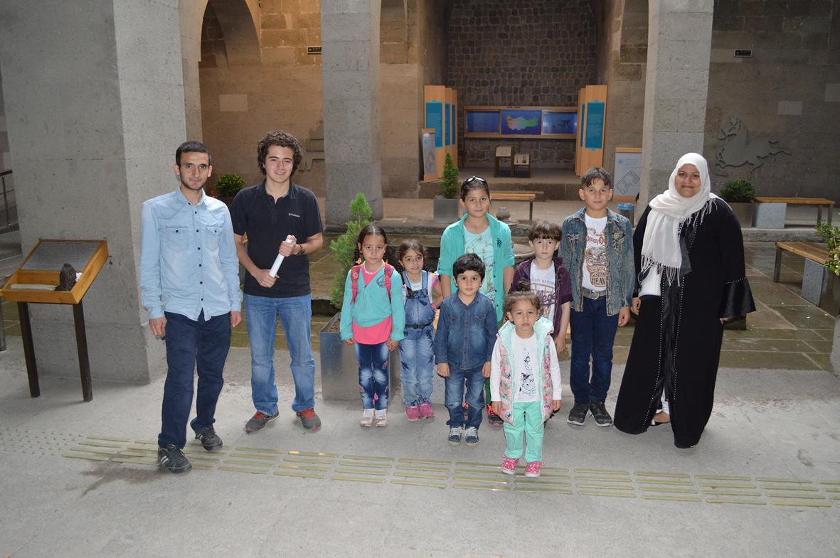 Suriyeli Mültecilerin  Sorunlarına Kültürel Yaklaşım...