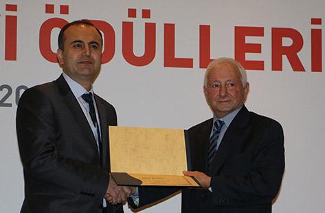 Sedat Simavi Ödülü AGÜ'lü Öğretim Üyesi'ne...