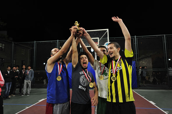 AGÜ'de Spor Zamanı...